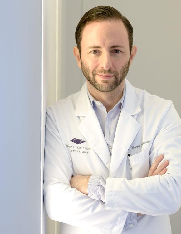 Dr. David Bacman, Dermatologe und Spezialist für Faltenbehandlung und Ästehtische Medizin in Köln