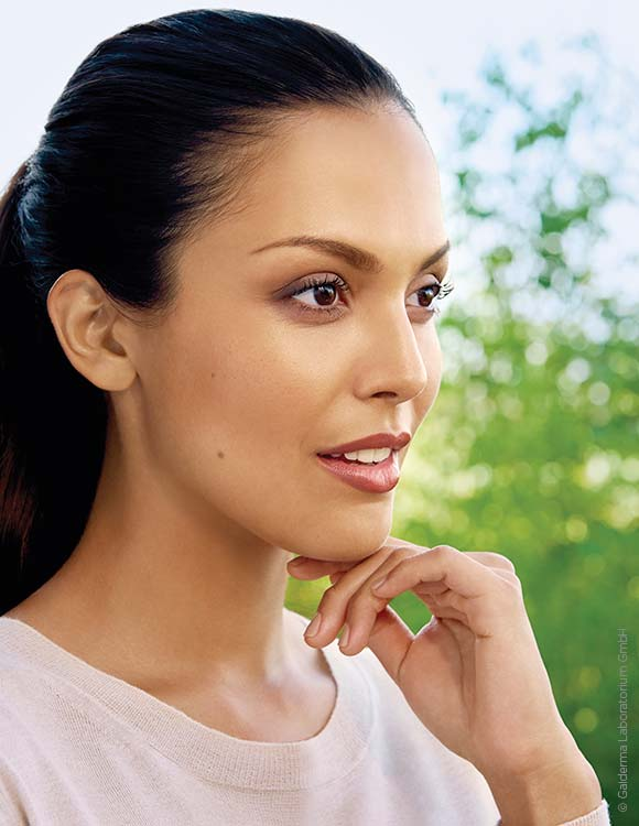 Verbessertes Hautbild, Faltenbehandlung, Hautverjüngung koeln hautarzt